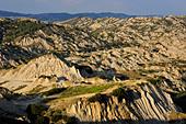 italy, basilicata, landscape near aliano ALMDG8BKW| 写真素材・ストックフォト・画像・イラスト素材|アマナイメージズ