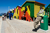 Guard and colorful beach huts at St. James Bay near Simons Town Western Cape South Africa ALMCB41CT| 写真素材・ストックフォト・画像・イラスト素材|アマナイメージズ