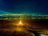 New Year's Eve Celebrations with bonfires, Reykjavik, Iceland ALMRJR3BN| 写真素材・ストックフォト・画像・イラスト素材|アマナイメージズ