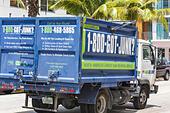 Florida, FL, South, Miami Beach, SoBe, garbage, trash, debris, truck, clean up, hauling, removal, junk, vehicle, sightseeing visitors travel traveling ALMT2RR5C| 写真素材・ストックフォト・画像・イラスト素材|アマナイメージズ
