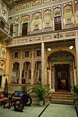 India, Rajasthan, Shekhawati, Nawalgarh, Grand Haveli Hotel and Resort interior ALM2ARRGM4| 写真素材・ストックフォト・画像・イラスト素材|アマナイメージズ