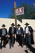 costumed performers  on set of Gunfight at the OK Corral, a reenactment show of the famous gunfight in Tombstone Arizona ALMBWCRXE| 写真素材・ストックフォト・画像・イラスト素材|アマナイメージズ