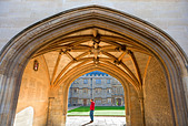 The Fitzjames gateway (1497) leading from Front Quad to Fellows' Quad of Merton College, Oxford ALMCF1P7B| 写真素材・ストックフォト・画像・イラスト素材|アマナイメージズ