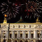 Paris. A building the Grand Opera and Christmas fi ALMG08DDF| 写真素材・ストックフォト・画像・イラスト素材|アマナイメージズ