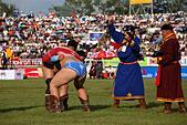 Wrestlers at Naadam festival at National Sports Stadium, Ulaanbaatar, Mongolia ALM2AHJY8E| 写真素材・ストックフォト・画像・イラスト素材|アマナイメージズ