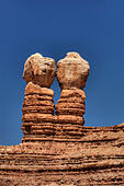 The Navajo Twins are at the mouth of Cottonwood Wash in the town of Bluff, Utah. ALMGFK7N9  写真素材・ストックフォト・画像・イラスト素材 アマナイメージズ