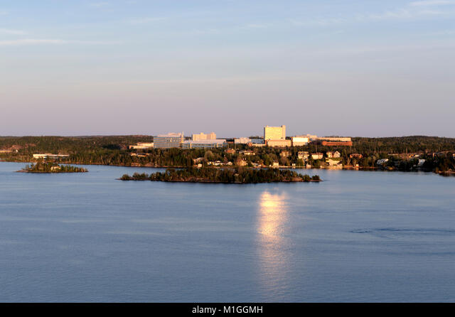 This picture of Lake Ramsey and Laurentian University was taken from the roof of the former Sudbury General Hospital ALMM1GGMH  写真素材・ストックフォト・画像・イラスト素材 アマナイメージズ