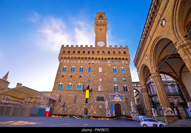 Piazza della Signoria in Florence square and Palazzo Vecchio view, Tuscany region of Italy ALMPW9B7C  写真素材・ストックフォト・画像・イラスト素材 アマナイメージズ