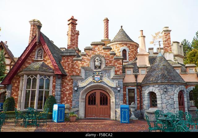 Themed Restaurant Toad Hall Within Fantasyland Disneyland Paris Marne-la-Vallee Chessy France ALMF5BCA2| 写真素材・ストックフォト・画像・イラスト素材|アマナイメージズ