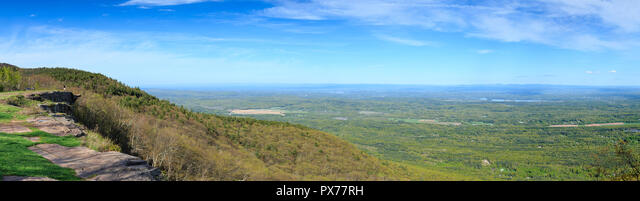 Site of Historic Catskill Mountain House with View over New York Landscape, near Tannersville, New York, USA ALMPX77RH  写真素材・ストックフォト・画像・イラスト素材 アマナイメージズ