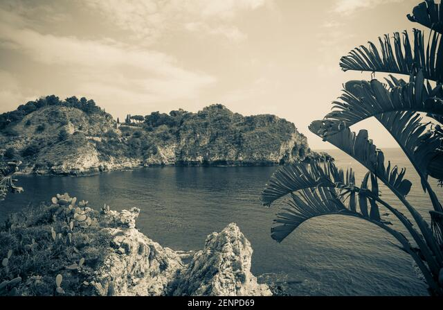 Italy,Sicily, Taormina, Isola Bella,  a beach and marine-life sanctuary ALM2ENPD69| 写真素材・ストックフォト・画像・イラスト素材|アマナイメージズ