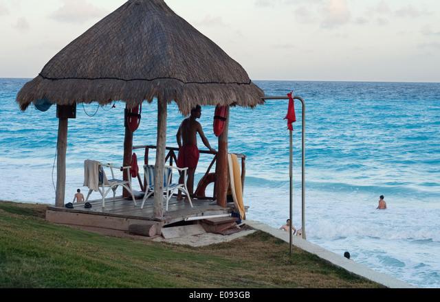 Life Guard watch post in Cancun Mexico ALME093GB| 写真素材・ストックフォト・画像・イラスト素材|アマナイメージズ