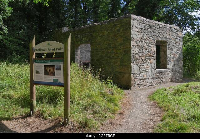 Cally Old School,a girls school house built cira 1820 by Lady Anne Bingham , Galloway Forest Park,Gatehouse of Fleet,Dumfries & Galloway, Scotland ALM2GETRGE  写真素材・ストックフォト・画像・イラスト素材 アマナイメージズ