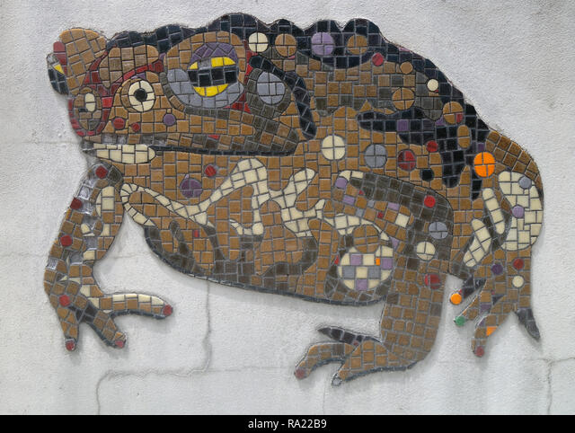 Detail of cane toad mosaic at Cane Toad World, celebrating the site where these now notorious invasive pests were first released in Australia, Gordonv ALMRA22B9| 写真素材・ストックフォト・画像・イラスト素材|アマナイメージズ