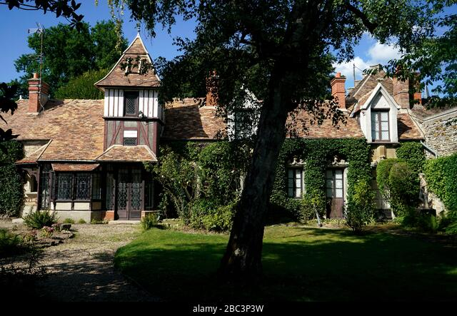 Historic building in town of Barbizon.Seine-et-Marne.France ALM2BC3P3W  写真素材・ストックフォト・画像・イラスト素材 アマナイメージズ