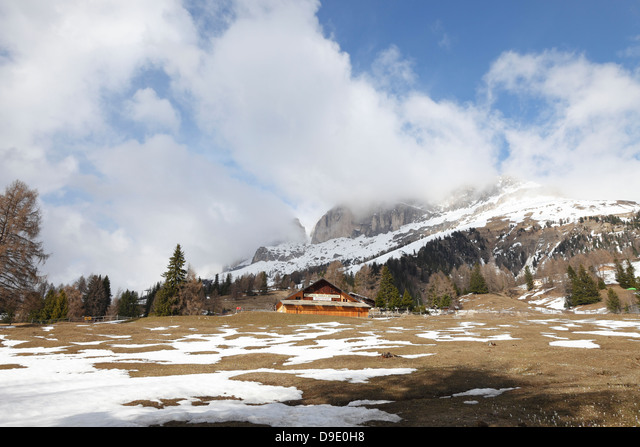 Riding school at Nova levante, South Tyrol,Italy ALMD9E0H8  写真素材・ストックフォト・画像・イラスト素材 アマナイメージズ