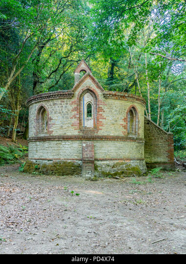 The derelict building of a former Victorian school in the village of Bedham, West Sussex, England, UK ALMPD4X74  写真素材・ストックフォト・画像・イラスト素材 アマナイメージズ