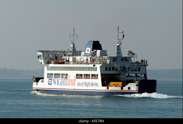 Roro Ferry St Ceclia on The Solent Southern England Wightlink Inbound to the Isle of Wight ALMAFE7RH| 写真素材・ストックフォト・画像・イラスト素材|アマナイメージズ