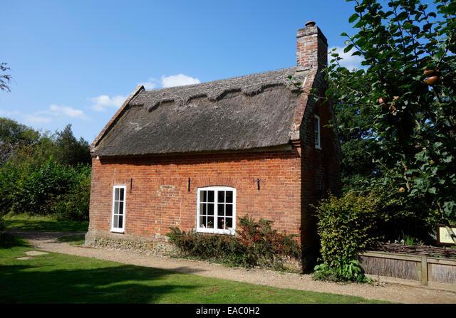 Toad Hole Cottage, How Hill ALMEAC0H2| 写真素材・ストックフォト・画像・イラスト素材|アマナイメージズ