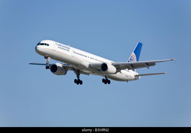 A Continental airlines Boeing B757 ALMB3HRN2| 写真素材・ストックフォト・画像・イラスト素材|アマナイメージズ