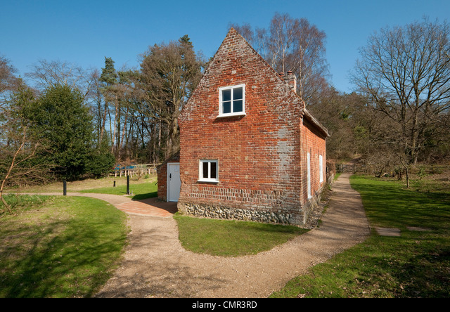 toad hole cottage, how hill, norfolk broads, england ALMCMR3RD| 写真素材・ストックフォト・画像・イラスト素材|アマナイメージズ