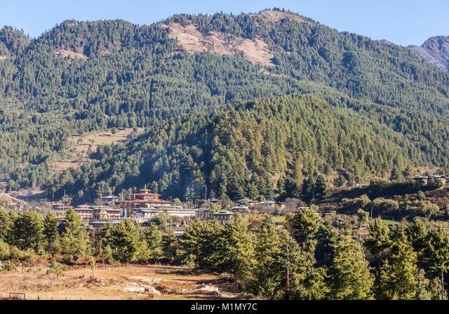 Bumthang, Bhutan.  Buddhist Monastic School near Jakar. ALMM1MY7C  写真素材・ストックフォト・画像・イラスト素材 アマナイメージズ