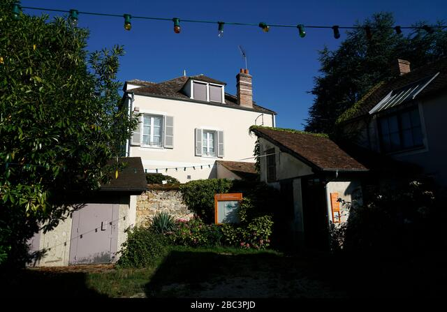 Former French landscape painter and founder of Barbizon School Theodore Rousseau.Barbizon.Seine-et-Marne.France ALM2BC3PJD  写真素材・ストックフォト・画像・イラスト素材 アマナイメージズ