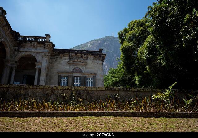 Italian architecture style mansion in Parque Lage. It is now a School of Visual Arts of Rio de Janeiro, Brazil ALM2G79GNN  写真素材・ストックフォト・画像・イラスト素材 アマナイメージズ